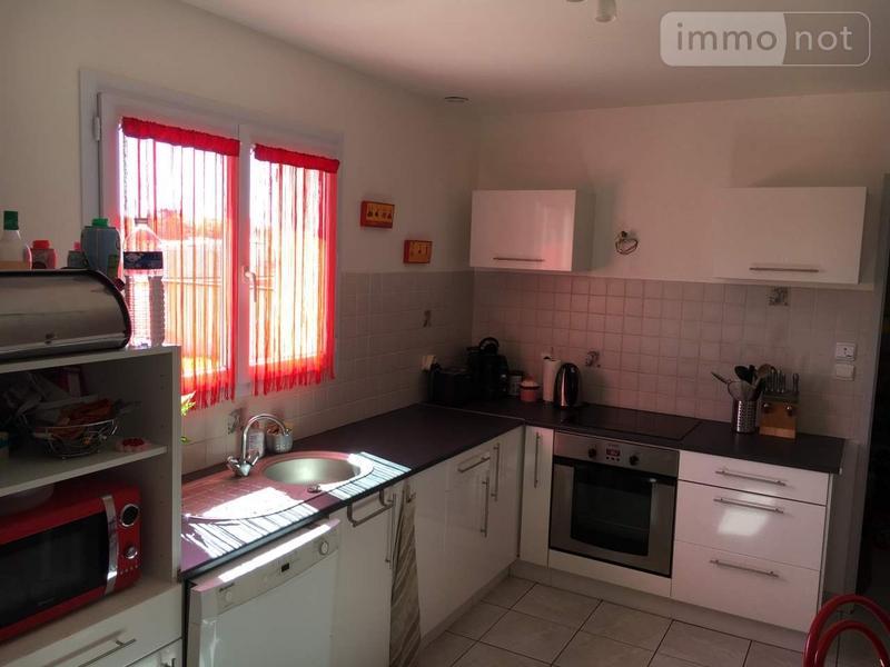 Location maison Saint-Denis-de-l'Hôtel 45550 Loiret 115 m2 5 pièces 850 euros