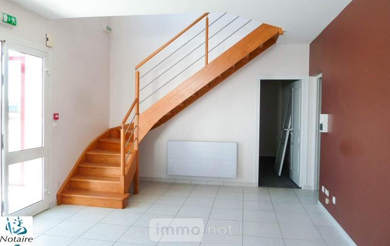 Location divers Bonchamp-lès-Laval 53960 Mayenne 302 m2  1900 euros