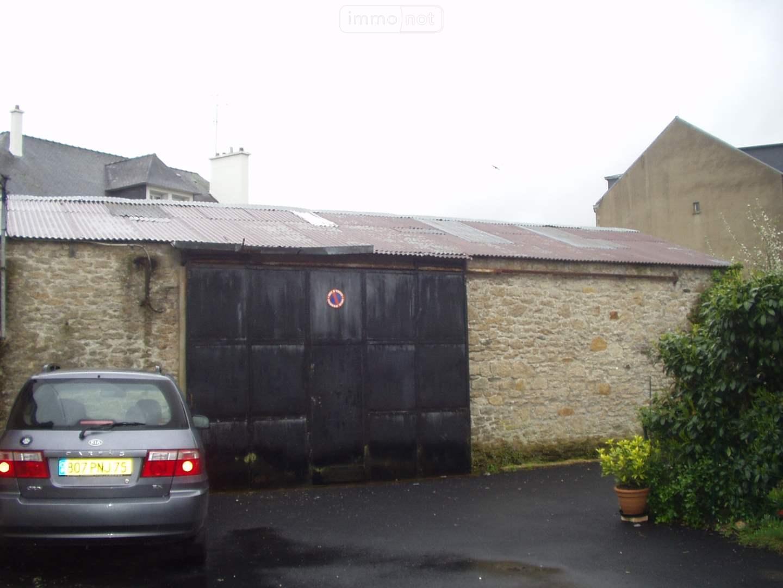 Garage et parking a vendre Pontivy 56300 Morbihan  63172 euros