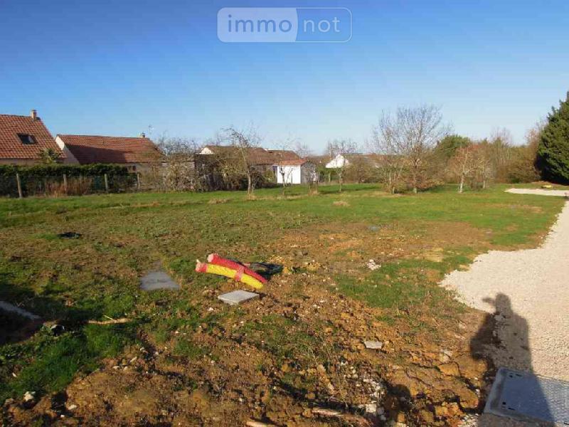 Terrain a batir a vendre La Chapelle-Saint-Ursin 18570 Cher 1100 m2  69352 euros