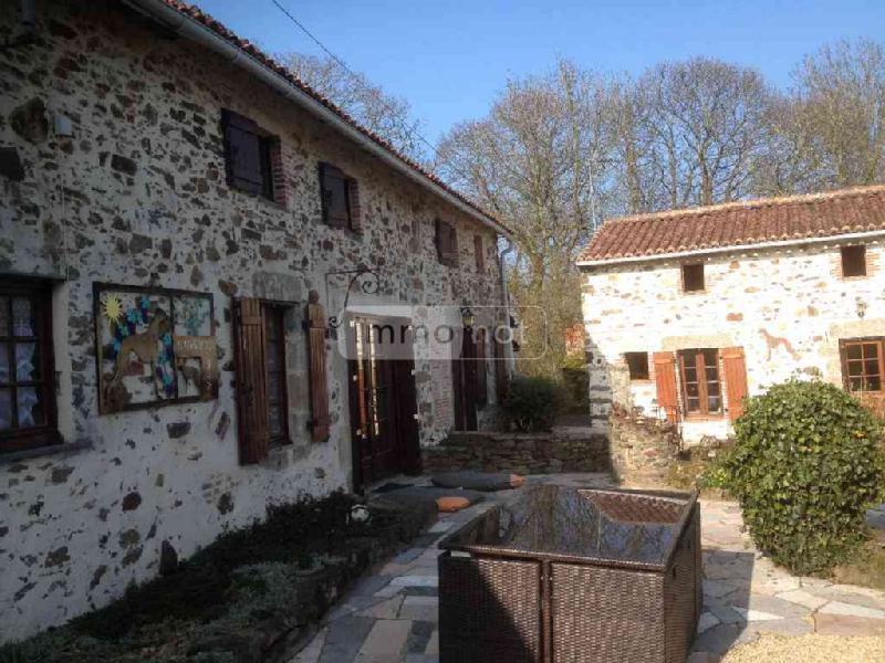 Maison a vendre Montournais 85700 Vendee 190 m2 7 pièces 253722 euros