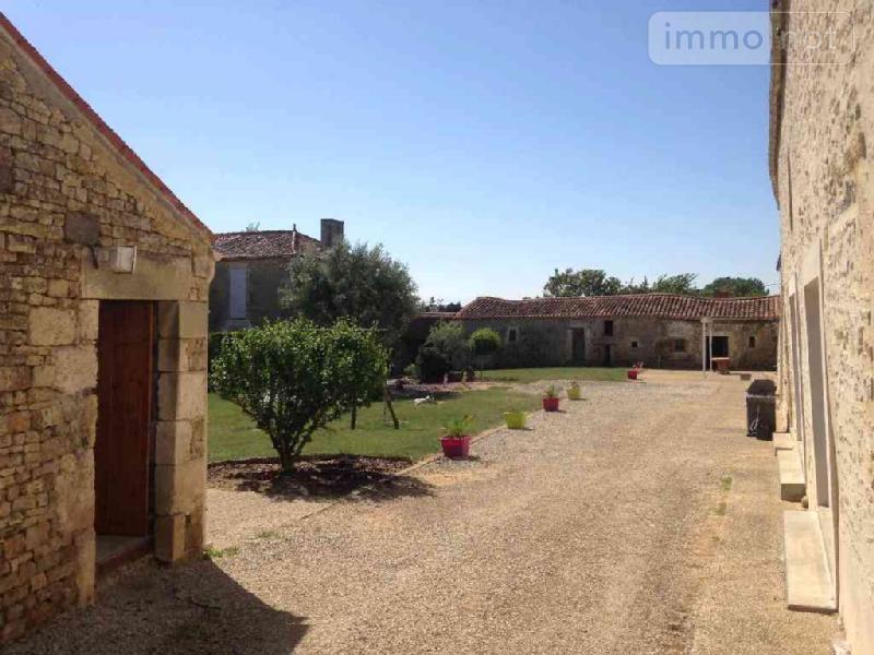 Maison a vendre Saint-Valérien 85570 Vendee 540 m2 10 pièces 495770 euros