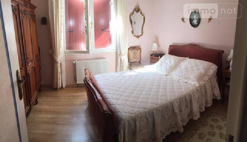 Maison a vendre Saint-Romain-de-Benet 17600 Charente-Maritime 250 m2 9 pièces 356000 euros