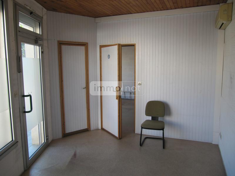 Immeuble de rapport a vendre Chalais 16210 Charente 105 m2  63172 euros