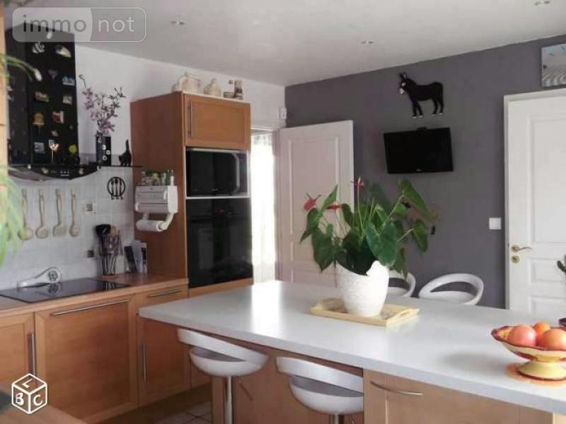 Maison a vendre La Guerche-sur-l'Aubois 18150 Cher 125 m2 4 pièces 184480 euros