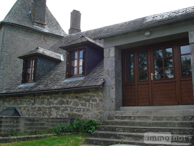 Location propriete Saint-Julien-près-Bort 19110 Correze 160 m2 6 pièces 600 euros