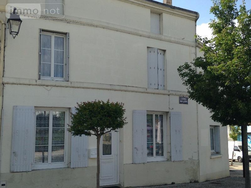 Immeuble de rapport a vendre Pons 17800 Charente-Maritime 151 m2  155872 euros
