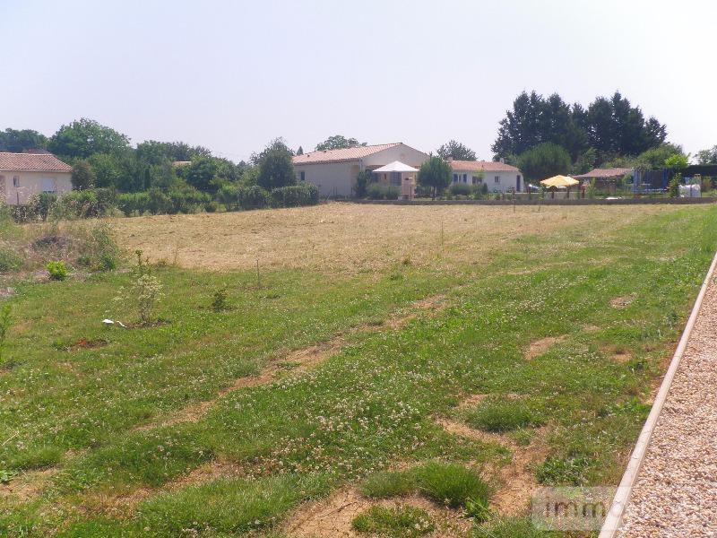 Terrain a batir a vendre Pons 17800 Charente-Maritime 1272 m2  28620 euros