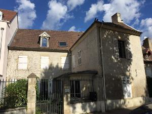 Immeuble de rapport a vendre Cusset 03300 Allier  253000 euros