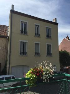 Immeuble de rapport a vendre Abrest 03200 Allier 216 m2  211000 euros