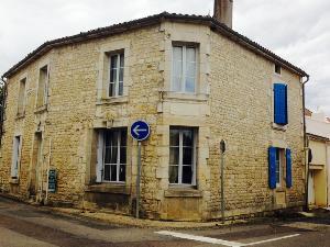 Maison a vendre Velluire 85770 Vendee 120 m2 6 pièces 68322 euros