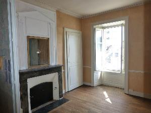 Location appartement Laval 53000 Mayenne 42 m2 4 pièces 275 euros