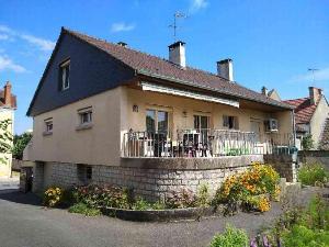 Maison a vendre Mehun-sur-Yèvre 18500 Cher 181 m2 8 pièces 191160 euros