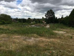 Terrain a batir a vendre Mehun-sur-Yèvre 18500 Cher 3056 m2  63172 euros