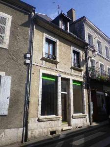 Immeuble de rapport a vendre Mehun-sur-Yèvre 18500 Cher 60 m2  68322 euros