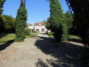 Maison a vendre Nuisement-sur-Coole 51240 Marne 165 m2 8 pièces 197000 euros