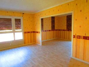 Location appartement ch lons en champagne 51000 marne 78 for Garage a louer chalons en champagne