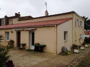 Maison a vendre Sainte-Hermine 85210 Vendee 219 m2 8 pièces 222822 euros