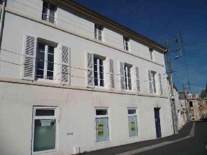 Immeuble de rapport a vendre Luçon 85400 Vendee  176472 euros