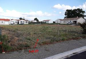 Terrain a batir a vendre Châteauneuf 85710 Vendee 643 m2  47690 euros