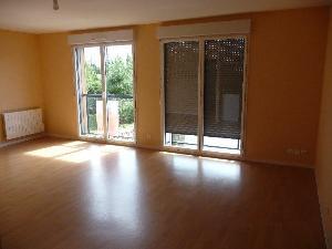 Location appartement Pleugueneuc 35720 Ille-et-Vilaine 75 m2 3 pièces 470 euros