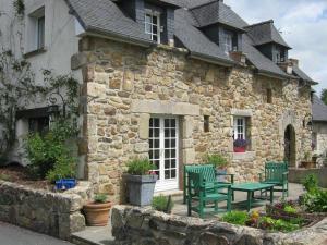 Maison a vendre Guingamp 22200 Cotes-d'Armor 300 m2 10 pièces 526672 euros