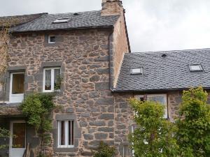 Maison a vendre Les Ternes 15100 Cantal 90 m2 5 pièces 155871 euros