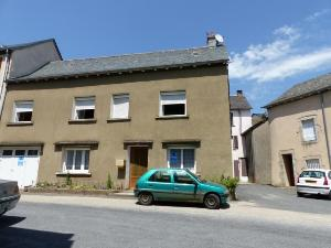 Maison a vendre Villefranche-de-Panat 12430 Aveyron 101 m2 8 pièces 115000 euros