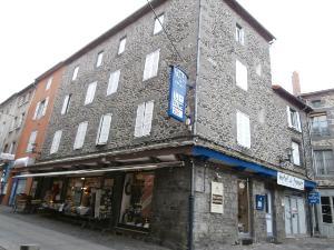 Immeuble de rapport a vendre Saint-Flour 15100 Cantal  433971 euros