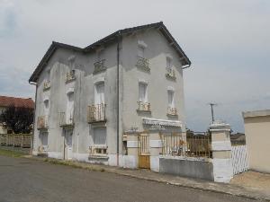 Maison a vendre Quézac 15600 Cantal 140 m2  155852 euros
