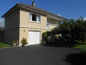 Maison a vendre Maurs 15600 Cantal 860 m2 5 pièces 181599 euros