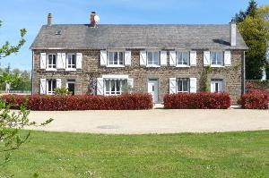 propriete a vendre Mayenne 53100 Mayenne 226 m2 8 pièces 269171 euros