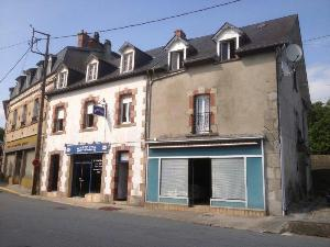 Immeuble de rapport a vendre La Courtine 23100 Creuse  83800 euros