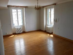 Location maison Nogent-le-Rotrou 28400 Eure-et-Loir 149 m2 5 pièces 630 euros
