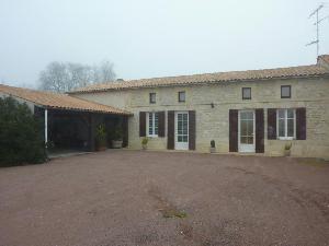 Maison a vendre Jonzac 17500 Charente-Maritime 152 m2 8 pièces 254400 euros