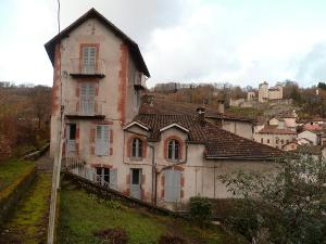 Maison a vendre Laroquebrou 15150 Cantal 13 pièces 37100 euros