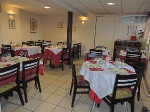 Fonds et murs commerciaux a vendre Saulcet 03500 Allier  150000 euros