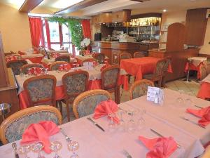 Fonds et murs commerciaux a vendre Saint-Pourçain-sur-Sioule 03500 Allier  98000 euros