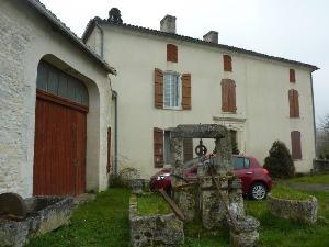 Maison a vendre Jonzac 17500 Charente-Maritime 260 m2 9 pièces 201400 euros