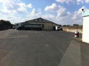 Garage et parking a vendre Brion-près-Thouet 79290 Deux-Sevres 400 m2  73472 euros