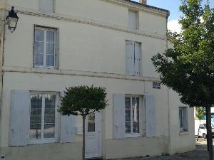 Immeuble de rapport a vendre Pons 17800 Charente-Maritime 296 m2  155872 euros