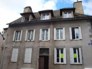 Immeuble de rapport a vendre Mauriac 15200 Cantal  168000 euros