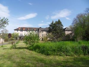 propriete a vendre Villefranche-de-Rouergue 12200 Aveyron 1955 m2  750000 euros