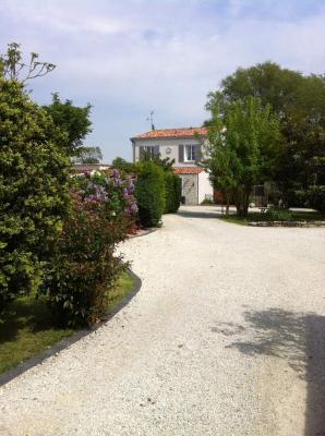 Maison a vendre Saint-Vivien 17220 Charente-Maritime 7 pièces 721000 euros