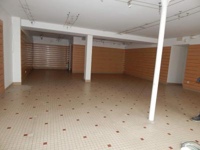 Immeuble de rapport a vendre L'Île-Bouchard 37220 Indre-et-Loire 300 m2  116450 euros