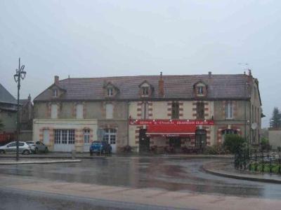 Immeuble de rapport a vendre Lapalisse 03120 Allier  192800 euros