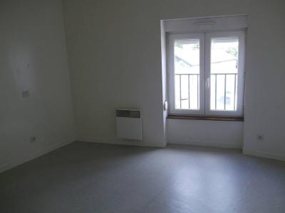 Location appartement Villaines-la-Juhel 53700 Mayenne 55 m2 3 pièces 355 euros