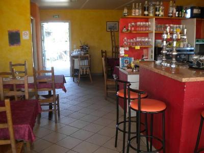 Fonds et murs commerciaux a vendre Kerfourn 56920 Morbihan  248572 euros