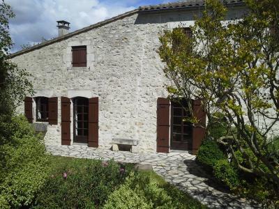 Maison a vendre Saint-Romain-de-Benet 17600 Charente-Maritime 176 m2 8 pièces 289772 euros
