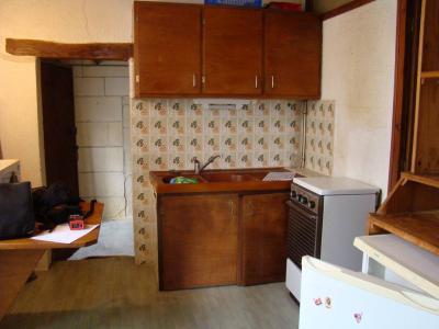 Immeuble de rapport a vendre Pons 17800 Charente-Maritime 68 m2  45000 euros